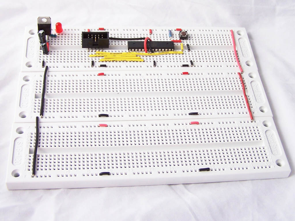 Introduction To 74hc595 Shift Register Controlling 16 Leds Circuit Diagram Using Breadboard Atmega8